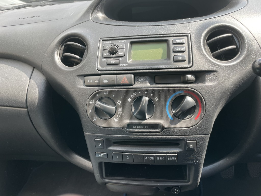 TOYOTA YARIS 1.3 COLOUR COLLECTION VVT-I 5DR