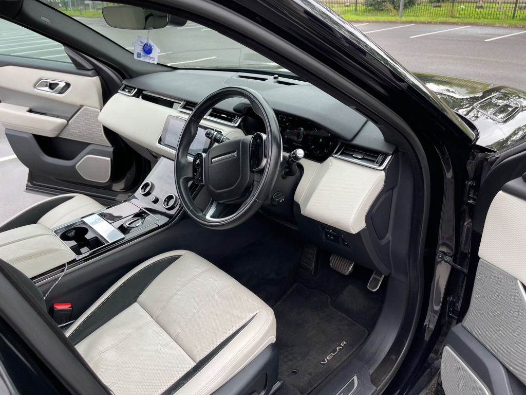 LAND ROVER RANGE ROVER VELAR 2.0 D180 R-Dynamic SE Auto 4WD (s/s) 5dr