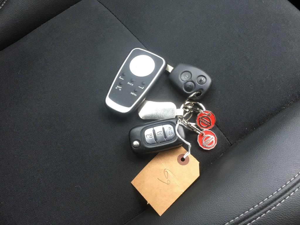 RENAULT CLIO 1.1 DYNAMIQUE TOMTOM 16V 5DR