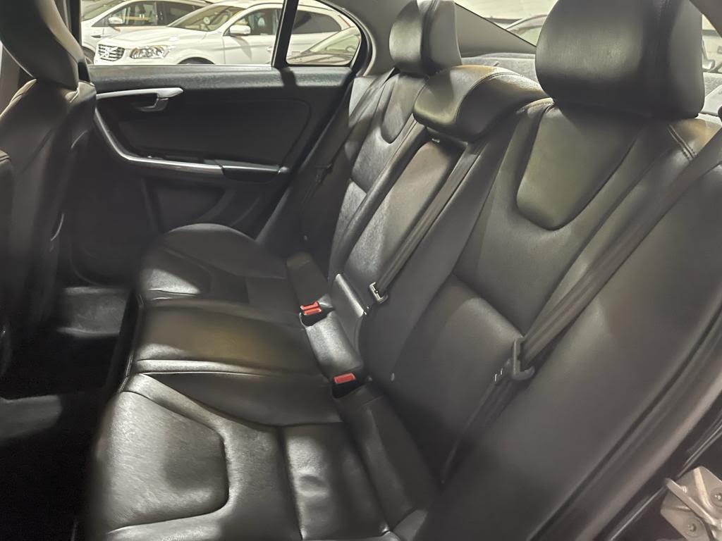 VOLVO S60 2.4 D5 SE LUX NAV 4DR AUTOMATIC