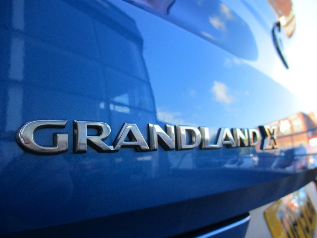 VAUXHALL GRANDLAND X 1.2 SE S/S 5DR