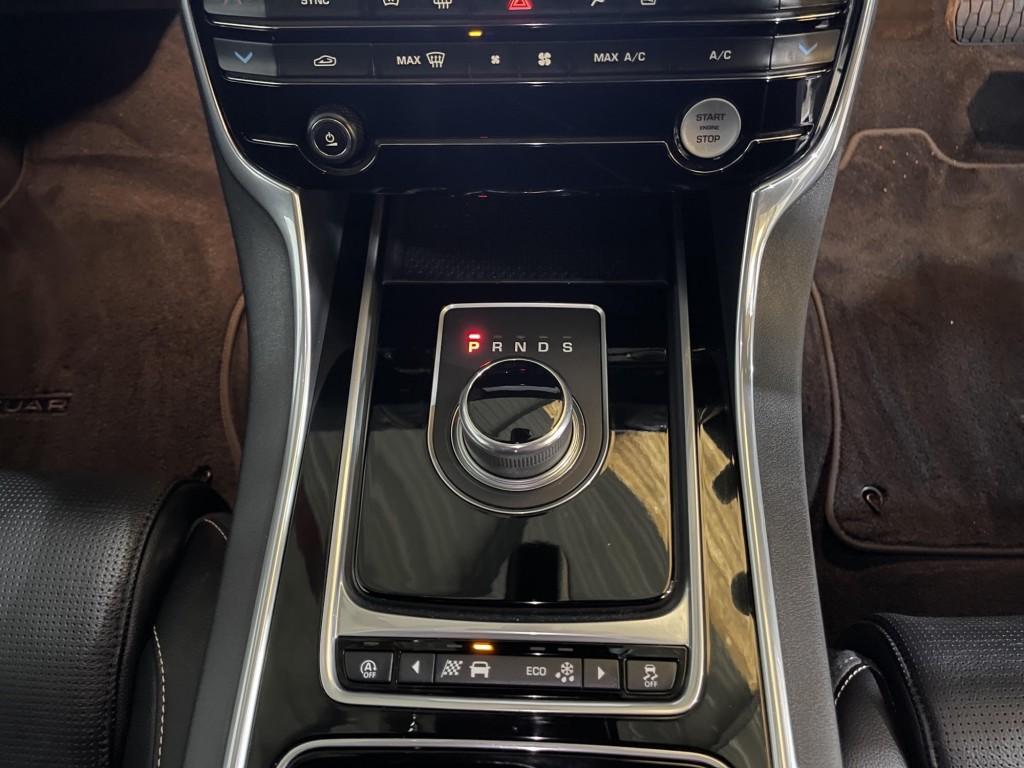 JAGUAR XE 2.0 D R-SPORT AWD 4DR AUTOMATIC