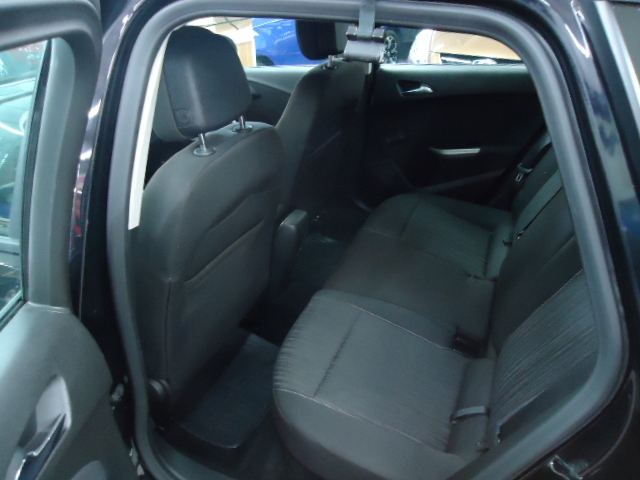 VAUXHALL ASTRA 1.6 EXCLUSIV 5DR AUTOMATIC