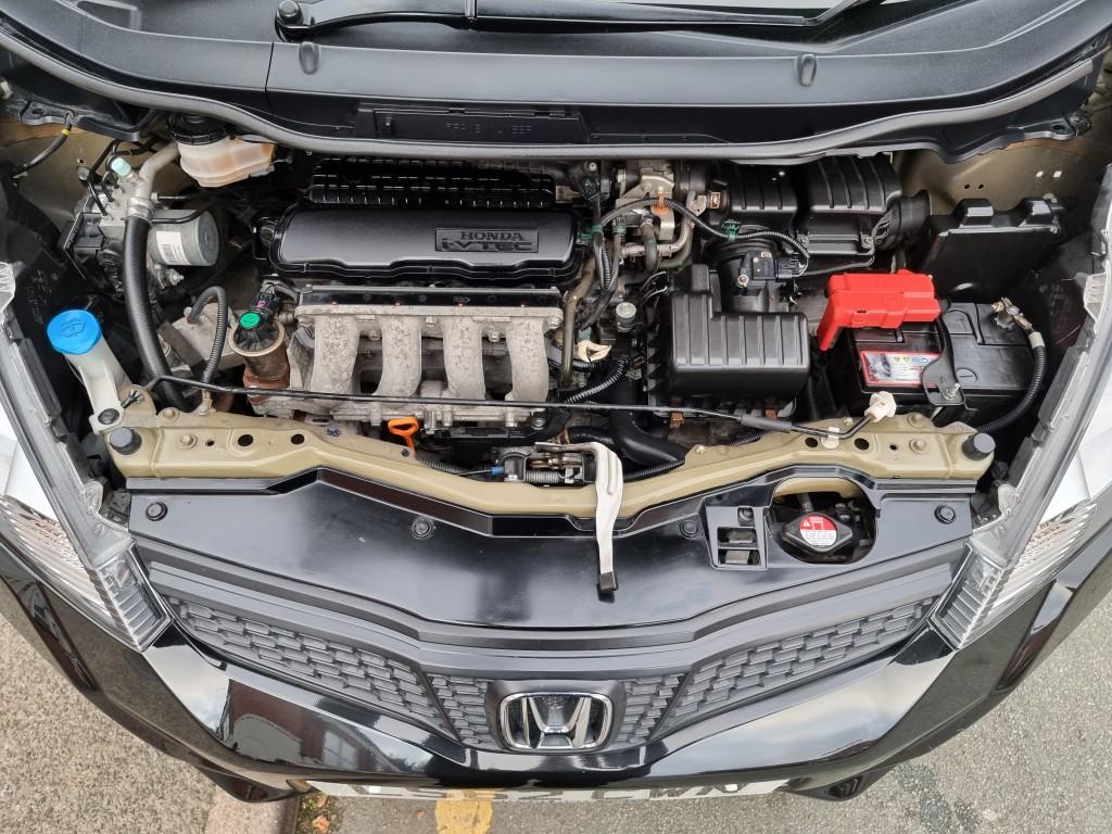 HONDA JAZZ 1.3 I-VTEC ES 5DR CVT AUTO - 1 OWNER - FULL HONDA SERVICE HISTORY