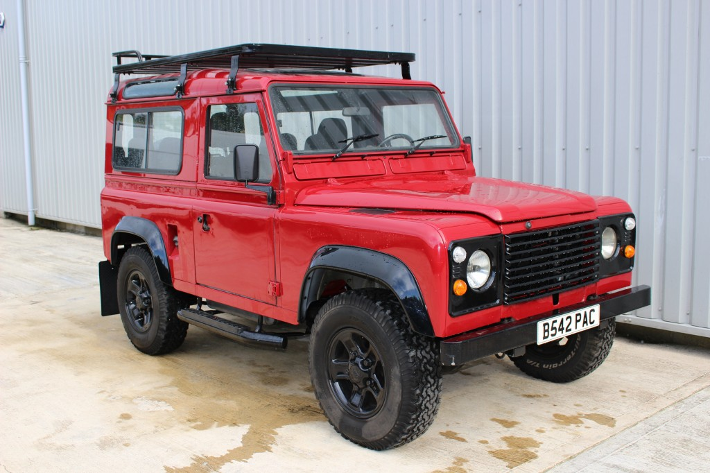 Used LAND ROVER 90 4CYL REG 2.3 4CYL REG 3DR in Lancashire