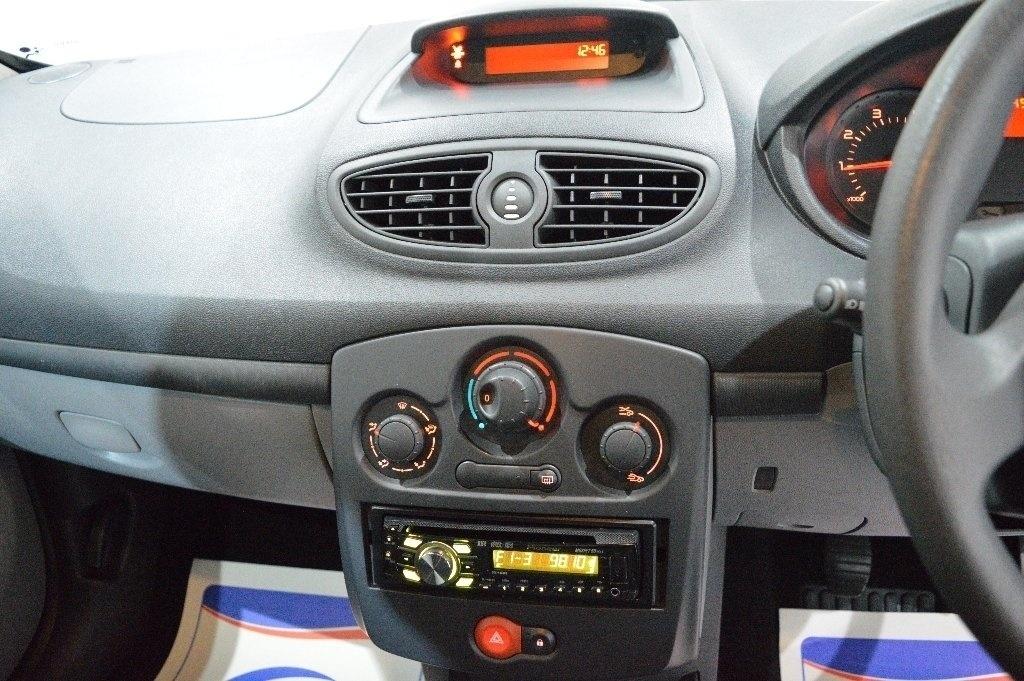 RENAULT CLIO 1.2 16v Extreme 3dr