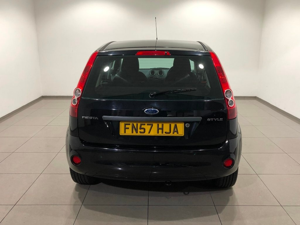 FORD FIESTA 1.25 Style 5dr