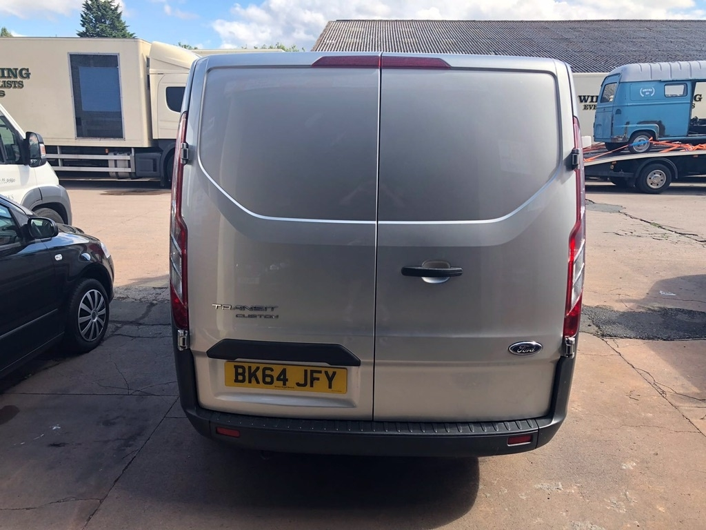 FORD TRANSIT CUSTOM 2.2 TDCi 270 L1H1 Double Cab-in-Van 5dr Diesel Manual (191 g/km, 123 bhp)