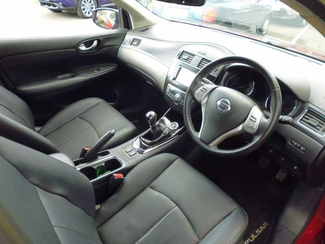 NISSAN Pulsar Hatchback 5-Door 1.2 DIG-T Tekna
