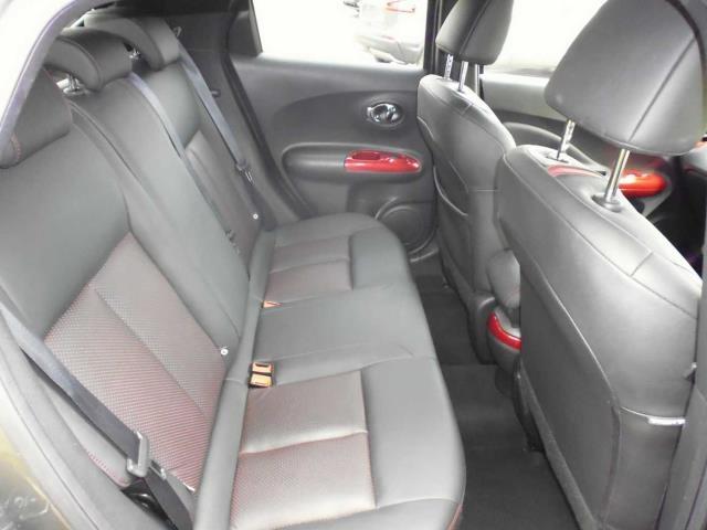 NISSAN Juke Hatchback 5-Door 1.6 16v Tekna