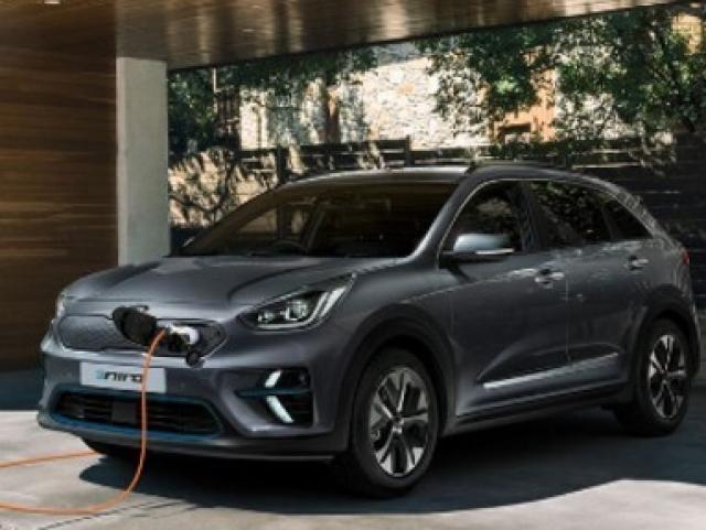 KIA e-NIRO WINS BEST ELECTRIC CAR AT THE BUSINESS CAR AWARDS 2019